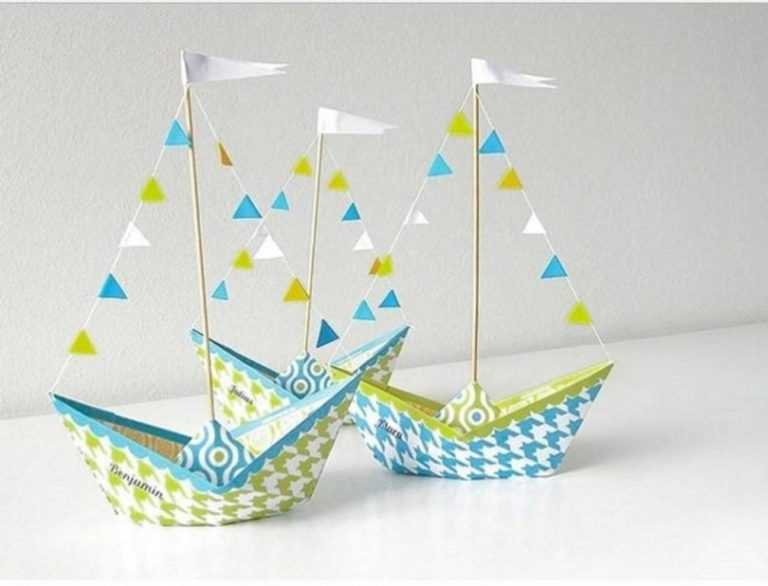 фото с корабликами из бумаги выполнено матового